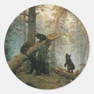 Mañana en un bosque del pino etiquetas