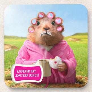 Mañana Groundhog con el buñuelo y el café del Posavasos