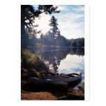 Mañana pacífica por el lago tarjetas postales