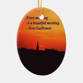 Mañanas hermosas adorno navideño ovalado de cerámica