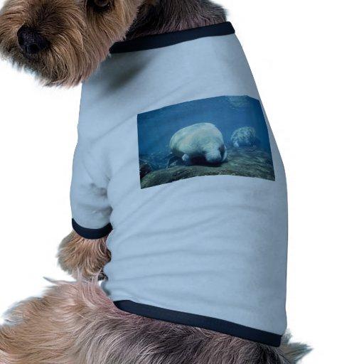 Manatee indio del oeste camiseta de perro