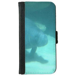Manatee que flota en el suelo marino funda cartera para iPhone 6