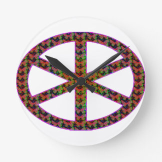 Manat's wheel of fate round clock