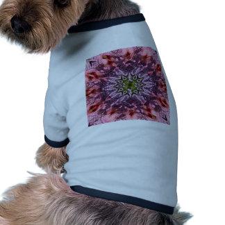 Mandala 2015 de la torsión de la flor camiseta con mangas para perro