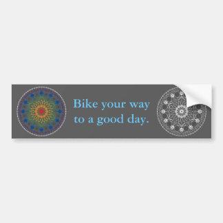 Mandala 2 de la bicicleta con frase del buen día pegatina para auto