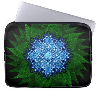 Mandala ártica de la flor fundas computadoras