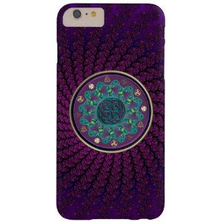 Mandala céltica del fractal funda de iPhone 6 plus barely there