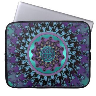 Mandala céltica en bolso colorido del ordenador po funda portátil