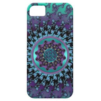 Mandala céltica en la caja colorida del fractal iPhone 5 carcasa