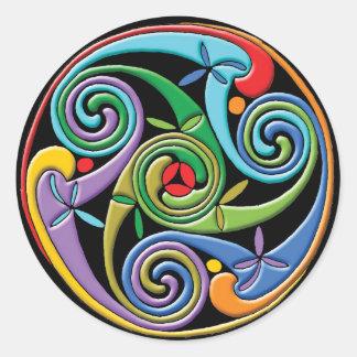 Mandala céltica hermosa con remolinos coloridos pegatina redonda