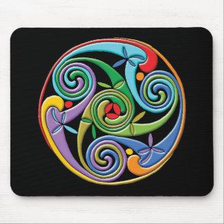 Mandala céltica hermosa con remolinos coloridos tapete de raton