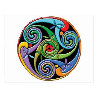 Mandala céltica hermosa con remolinos coloridos postal