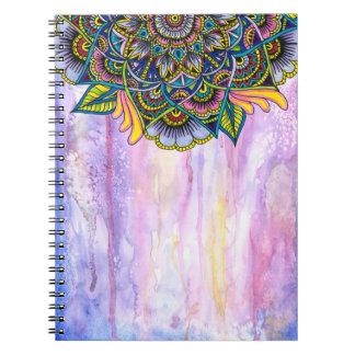 Mandala colorida del verano con el contexto de la libro de apuntes
