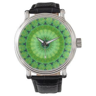 Mandala de despierto de la primavera creado por reloj de mano