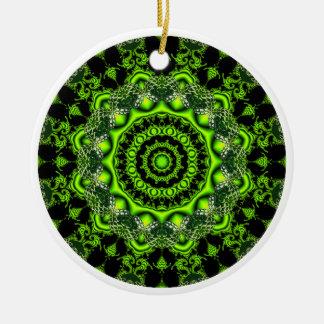 Mandala de la bóveda del bosque, maderas verdes adorno navideño redondo de cerámica