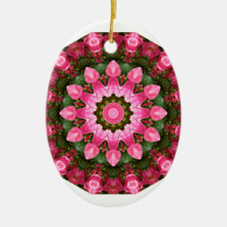 Mandala de la flor, rosas rosados adorno navideño ovalado de cerámica