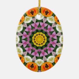 Mandala de la flor, tulipanes adorno navideño ovalado de cerámica