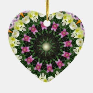 Mandala de la flor, tulipanes coloridos adorno navideño de cerámica en forma de corazón