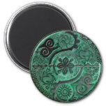 Mandala de símbolos africanos en imán verde del ~