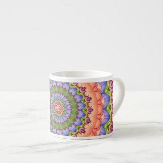 Mandala del caleidoscopio de la floración de taza espresso