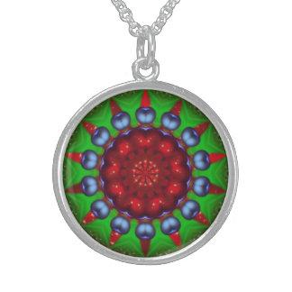 Mandala del caleidoscopio de la rueda de Yule Collar De Plata Esterlina