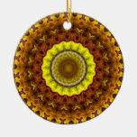 Mandala del caleidoscopio de las hojas de otoño adorno navideño redondo de cerámica