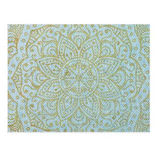 Mandala del oro en vaqueros azules claros postales