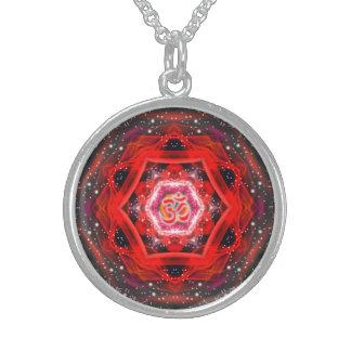 Mandala del rojo de Namaste Collar De Plata De Ley