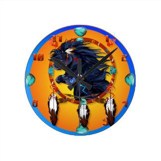Mandala negra de dos caballos reloj redondo mediano