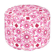 Mandala pattern in shades of pink, maroon round pouf