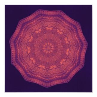 Mandala púrpura del caleidoscopio de las mariposas invitación 13,3 cm x 13,3cm