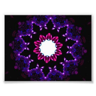 Mandala púrpura oscura del caleidoscopio impresión fotográfica