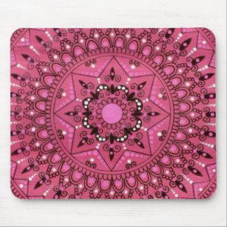 Mandala rosada bonita compleja dibujada mano alfombrillas de ratón