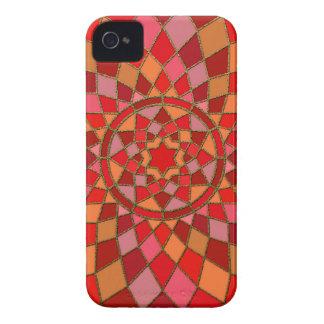 mandala rosada carmesí roja del Pinata iPhone 4 Protector