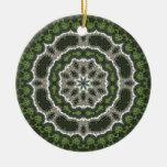 Mandala verde de la foto del fractal ornamentos de navidad