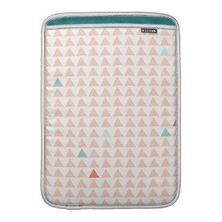 Mandarina rosada de los triángulos funda  MacBook
