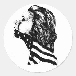 Mandíbulas del chica del americano de la libertad pegatina redonda