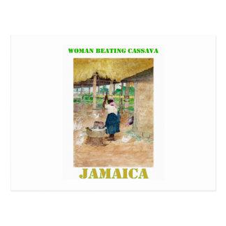 Mandioca de derrota de la mujer jamaicana en granj tarjetas postales