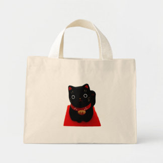Maneki negro Neko en una alfombra roja Bolsa De Tela Pequeña