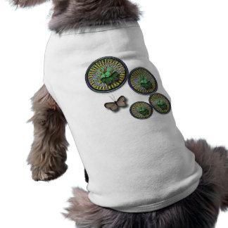 Manera de la mariposa camiseta de perro