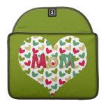 """Manga 13"""" de MacBook Pro del corazón de la """"mamá"""" Fundas Para Macbooks"""