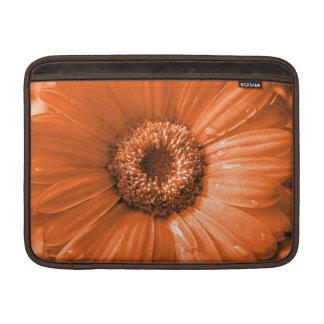 Manga de aire anaranjada de MacBook de la margarit Fundas Macbook Air