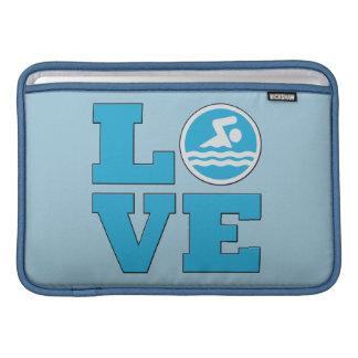 Manga de aire de MacBook del amor de la nadada Fundas MacBook