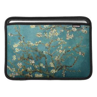 Manga de aire de Macbook del flor de la almendra Fundas Para Macbook Air