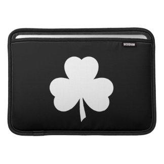 Manga de aire de MacBook del pictograma del trébol Fundas Para Macbook Air