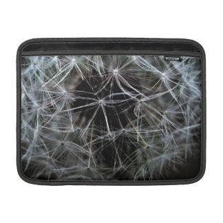 Manga de aire oscura de MacBook del diente de león Fundas Macbook Air