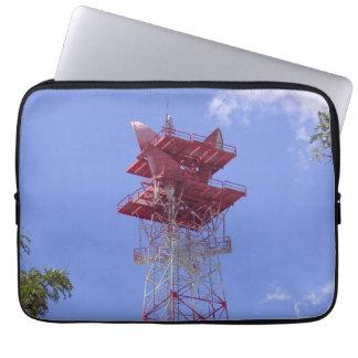 Manga de la torre de las telecomunicaciones de la fundas portátiles