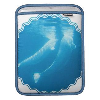 Manga del iPad de las ballenas de la beluga Fundas Para iPads