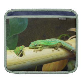 Manga del iPad del Gecko del día Fundas Para iPads