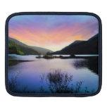Manga del iPad del lago sunset Funda Para iPads